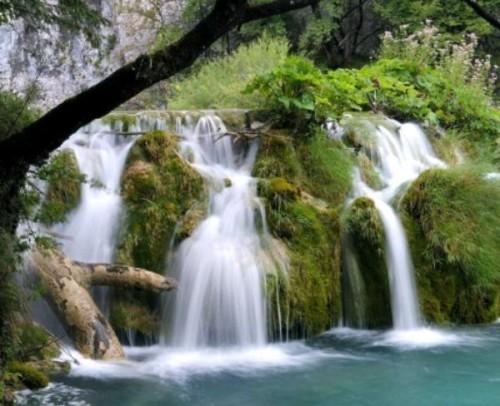 Thác nước ở Công viên Plitvice (Croatia)