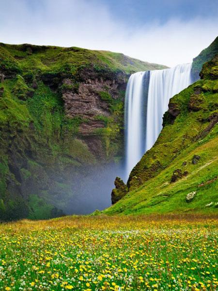 Thác nước tại Skogafoss, Iceland