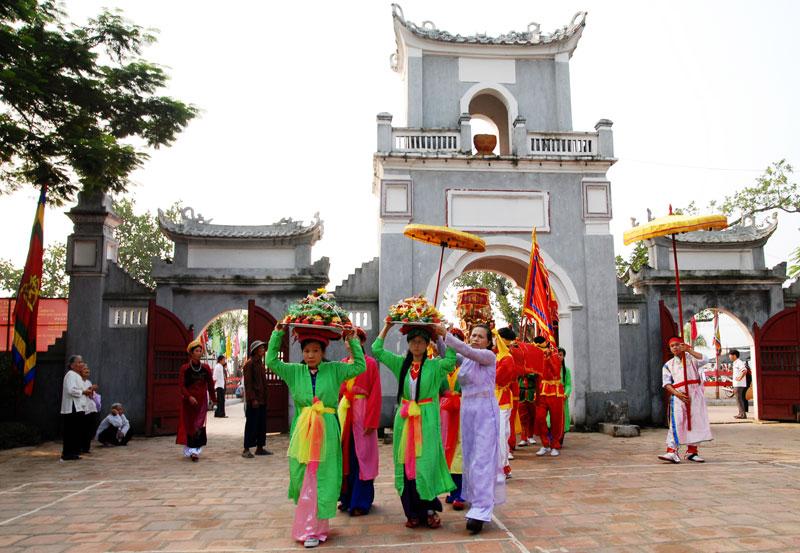 Lễ hội khai ấn đền trần là một trog những lễ hội nổi tiếng đầu xuân ở Miền Bắc