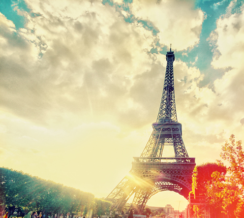 """Thap-Eiffel"""