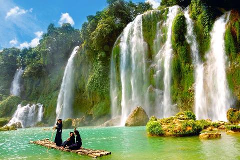 Thác nước đẹp nhất tại huyện Trùng Khánh tỉnh Cao Bằng.