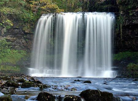Thác nước ở phía bắc xứ Wales.