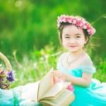 Tan chảy với nụ cười thiên thần của bé gái Lâm Đồng