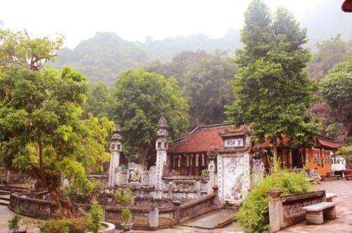 Hình ảnh đẹp về chùa Thiên Trù-Chùa Hương Hà Nội