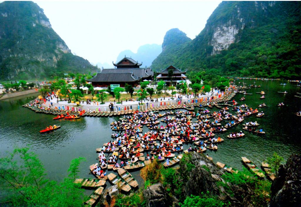 Hình ảnh đẹp về lễ hội Tràng An-Bái Đính