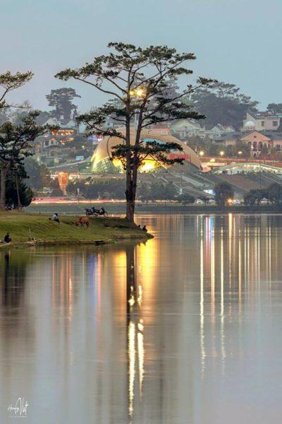 Một góc của Hồ Xuân Hương thơ mộng
